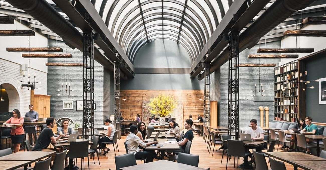 Restoranlar Boş Zamanlarında Ortak Çalışma Alanına Dönüşüyor