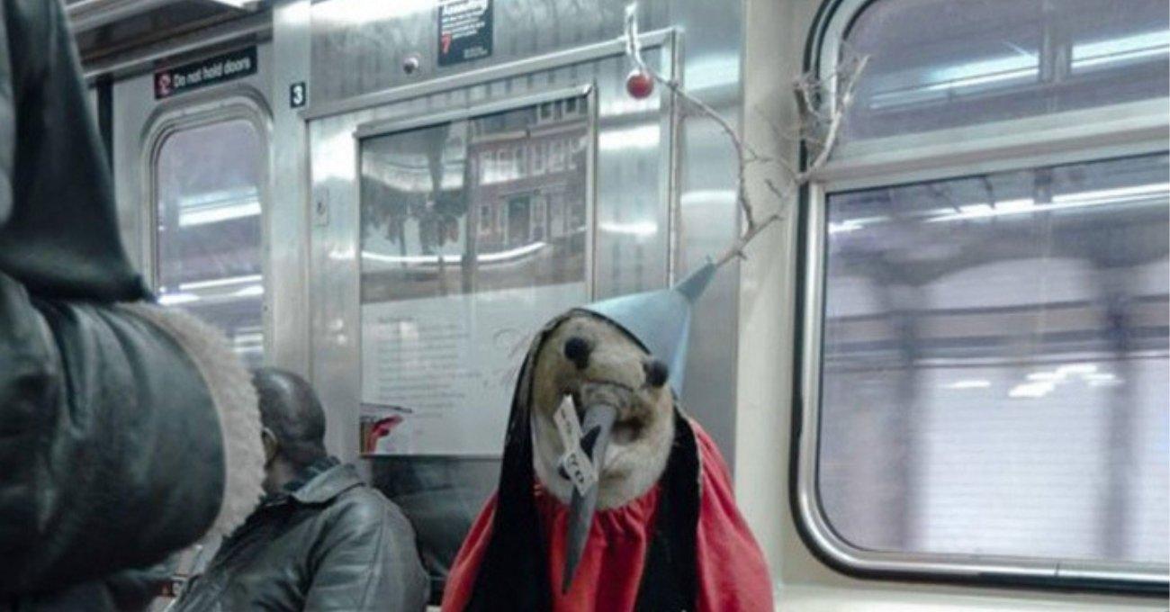 Hieronymus Bosch Tablosundaki Fantastik Karakter New York Metrosunda