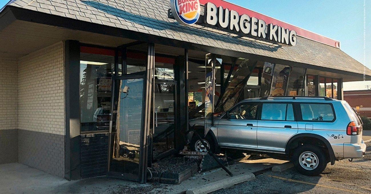 Burger King Evlere Servisi Teşvik İçin Gerçek Kazaları Reklama Taşıdı