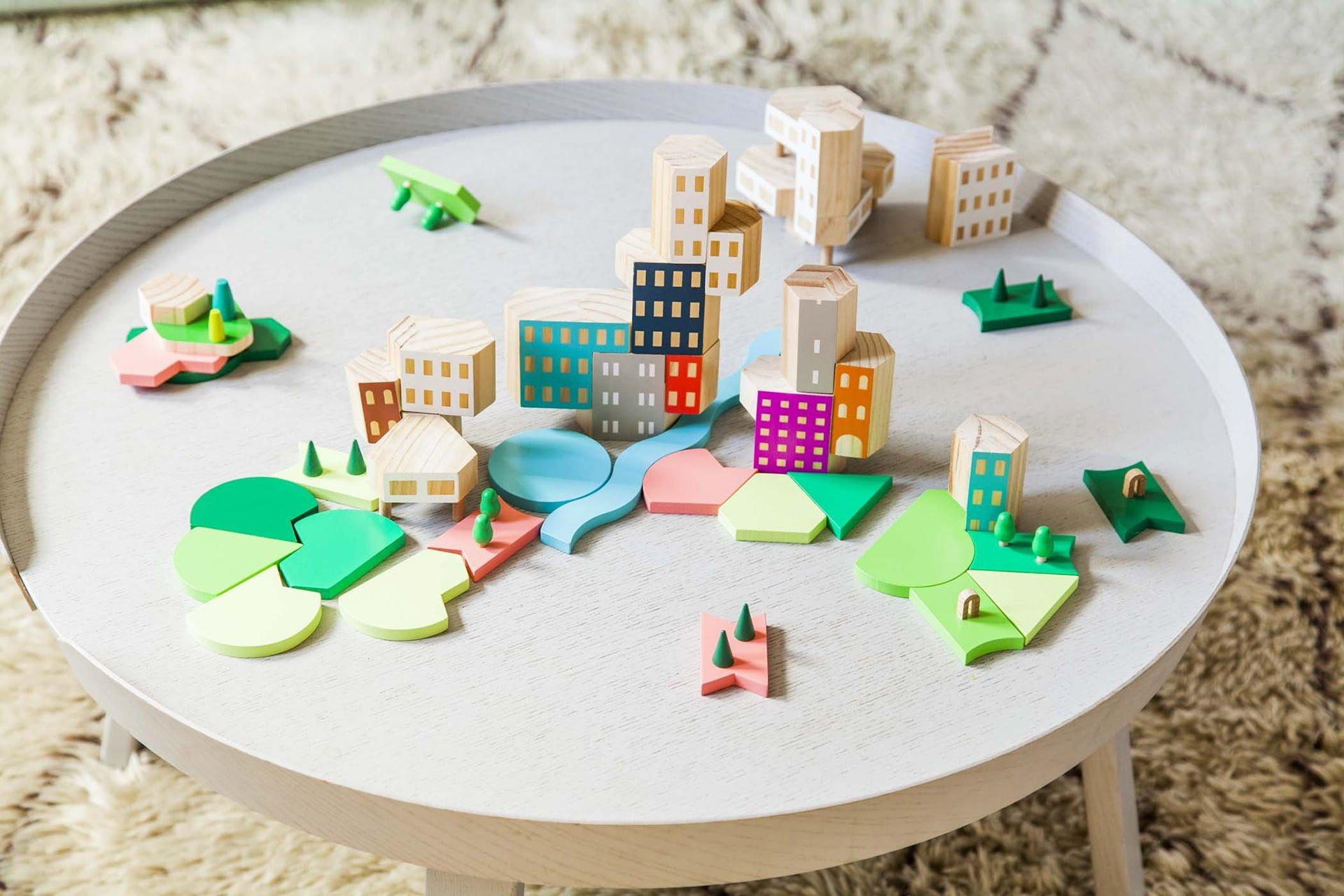 Çocuklar ve Çocuk Kalanlar için Mimari Oyuncaklar: Blockitecture
