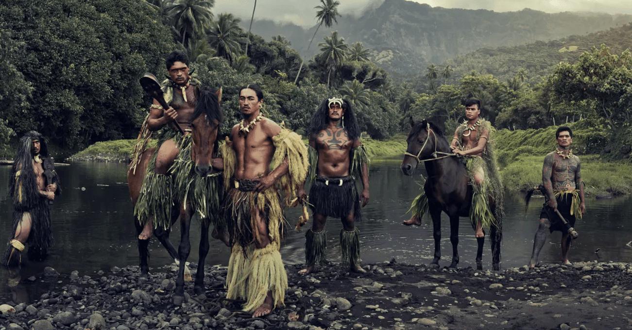 Jimmy Nelson Çektiği Fotoğraflarla Kabile Kültürünü Kucaklıyor