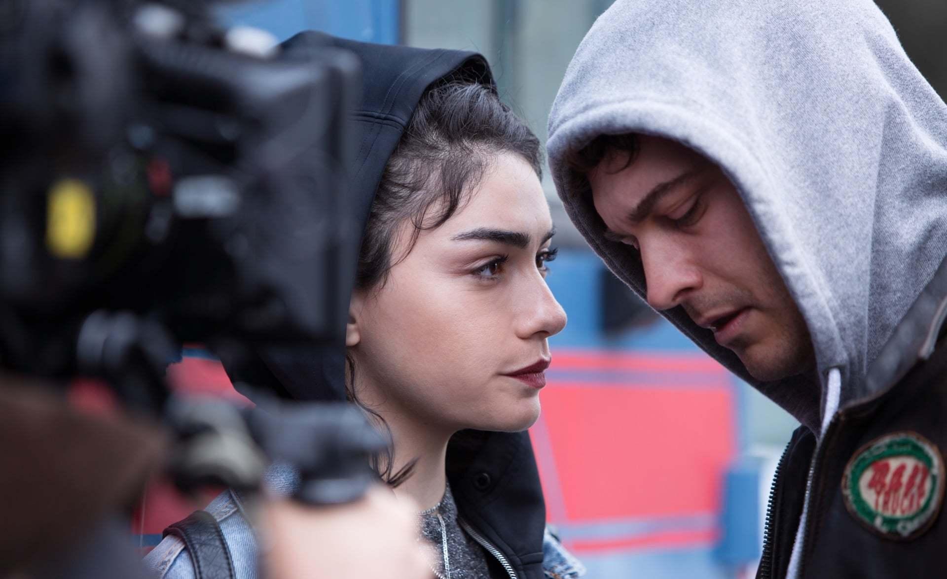 Netflix'in İlk Türk Orijinal Dizisi Hakan: Muhafız'ın Yönetmenleriyle Röportaj