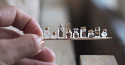 Tüm Gerçekçi Detaylarıyla Minyatür 18. Yüzyıl Eşyaları