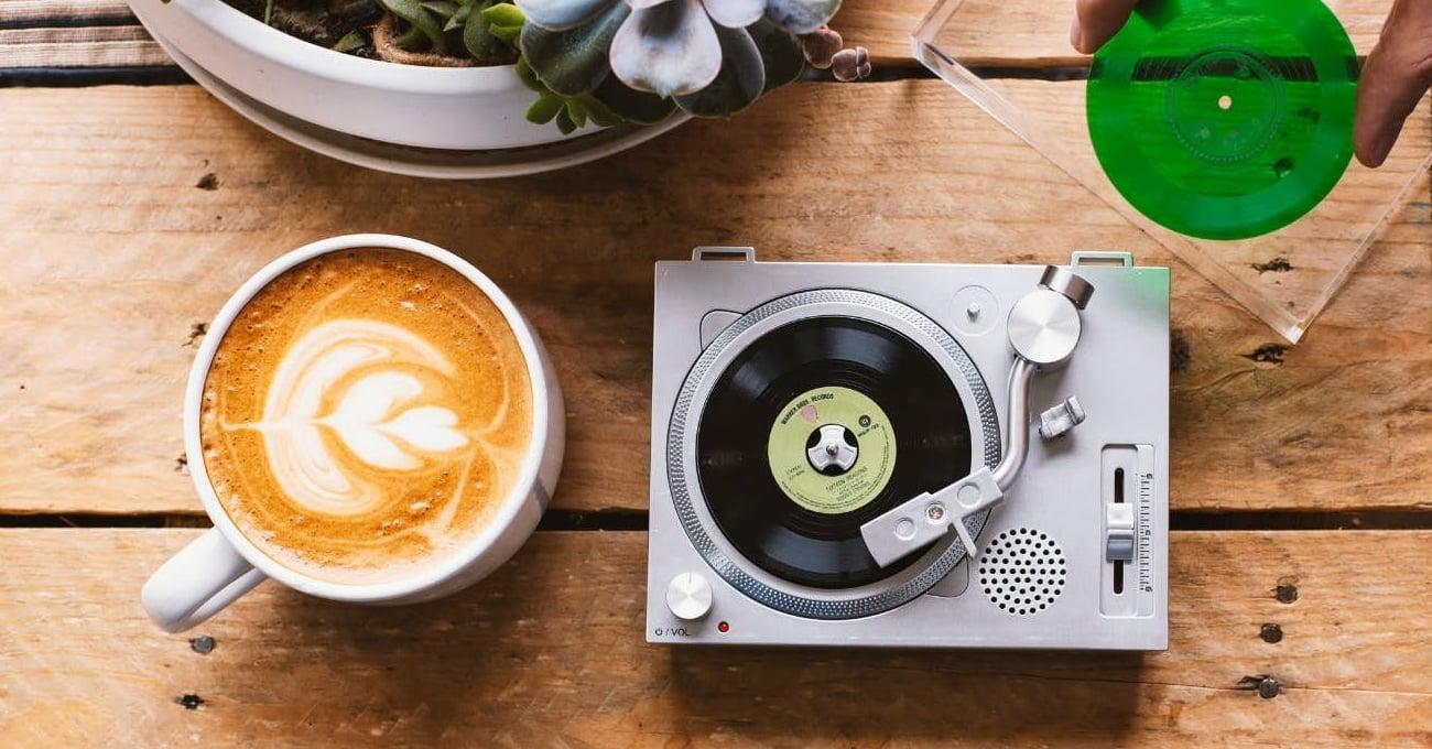 Dünya Bağımsız Müzik Mağazaları Günü İçin Tasarlanan 3 İnçlik Mini Pikap