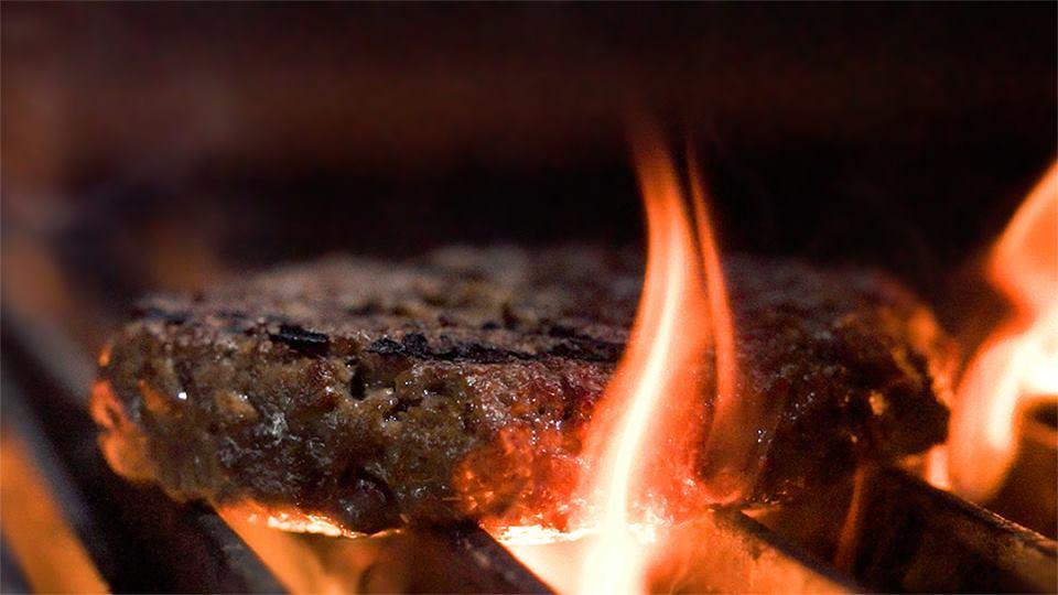 Yeni Formülüyle Eti Aratmayan Bitkisel Et Impossible Hamburger 2.0