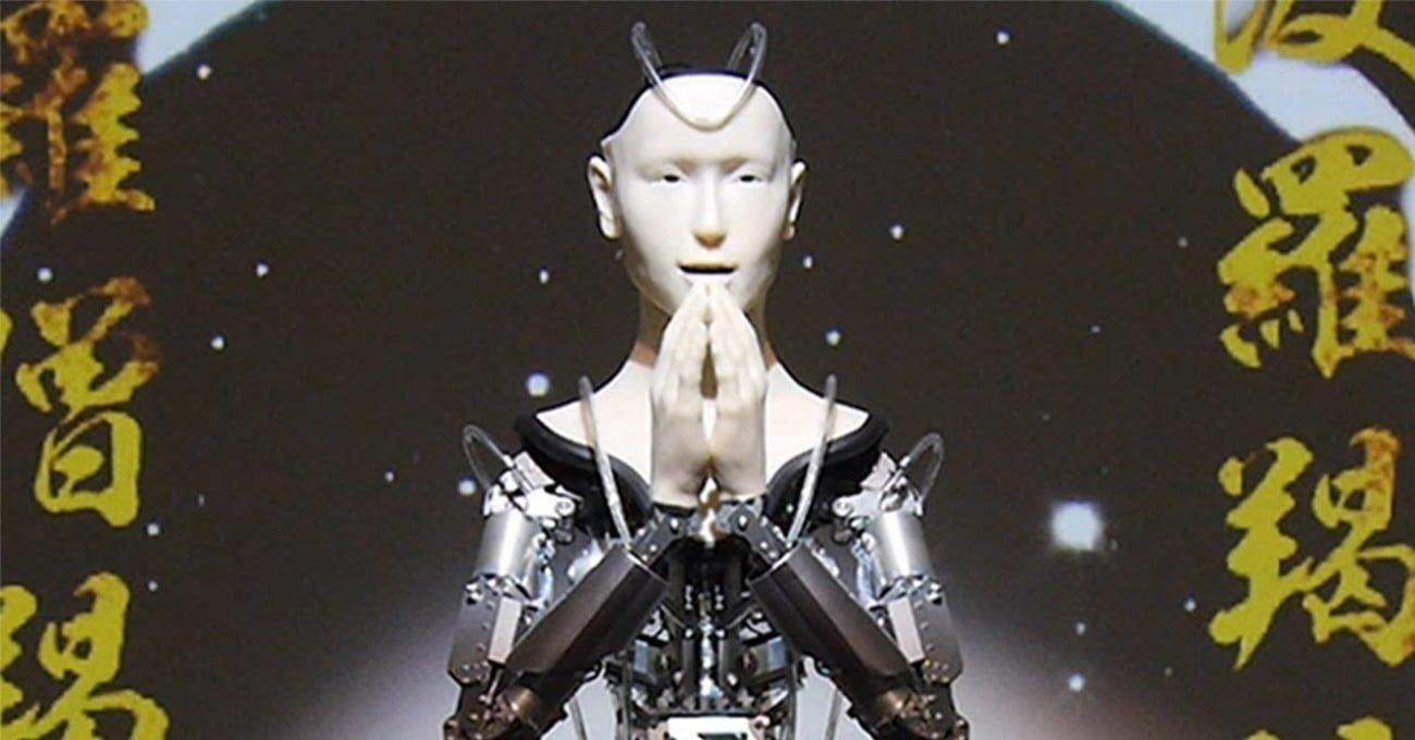 400 Yıllık Tapınakta Budizm Öğretilerini Anlatan Robot