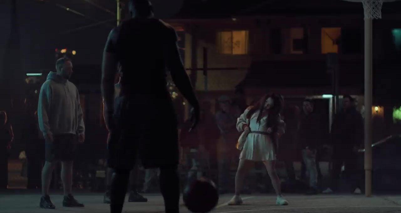 Reebok Basketbol Sahasını Dans Pistine Çeviriyor