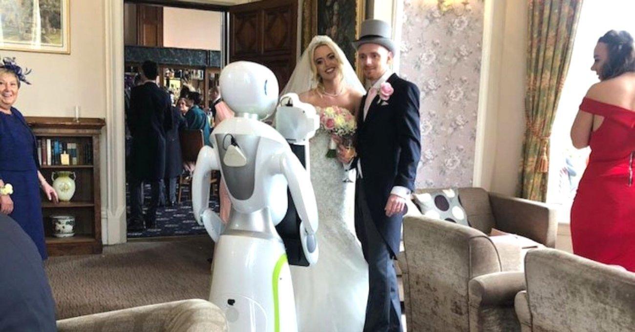 Düğün Fotoğrafçısı Robot