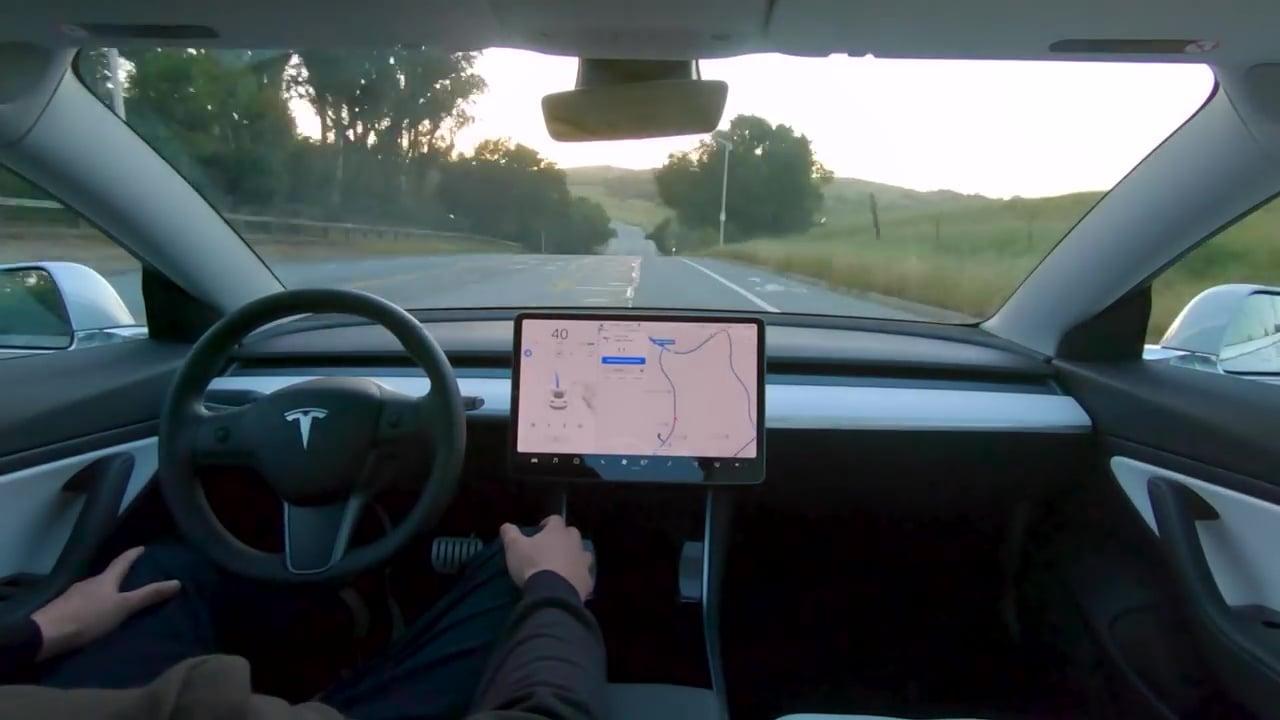 Tesla'dan Robotaksiler Geliyor