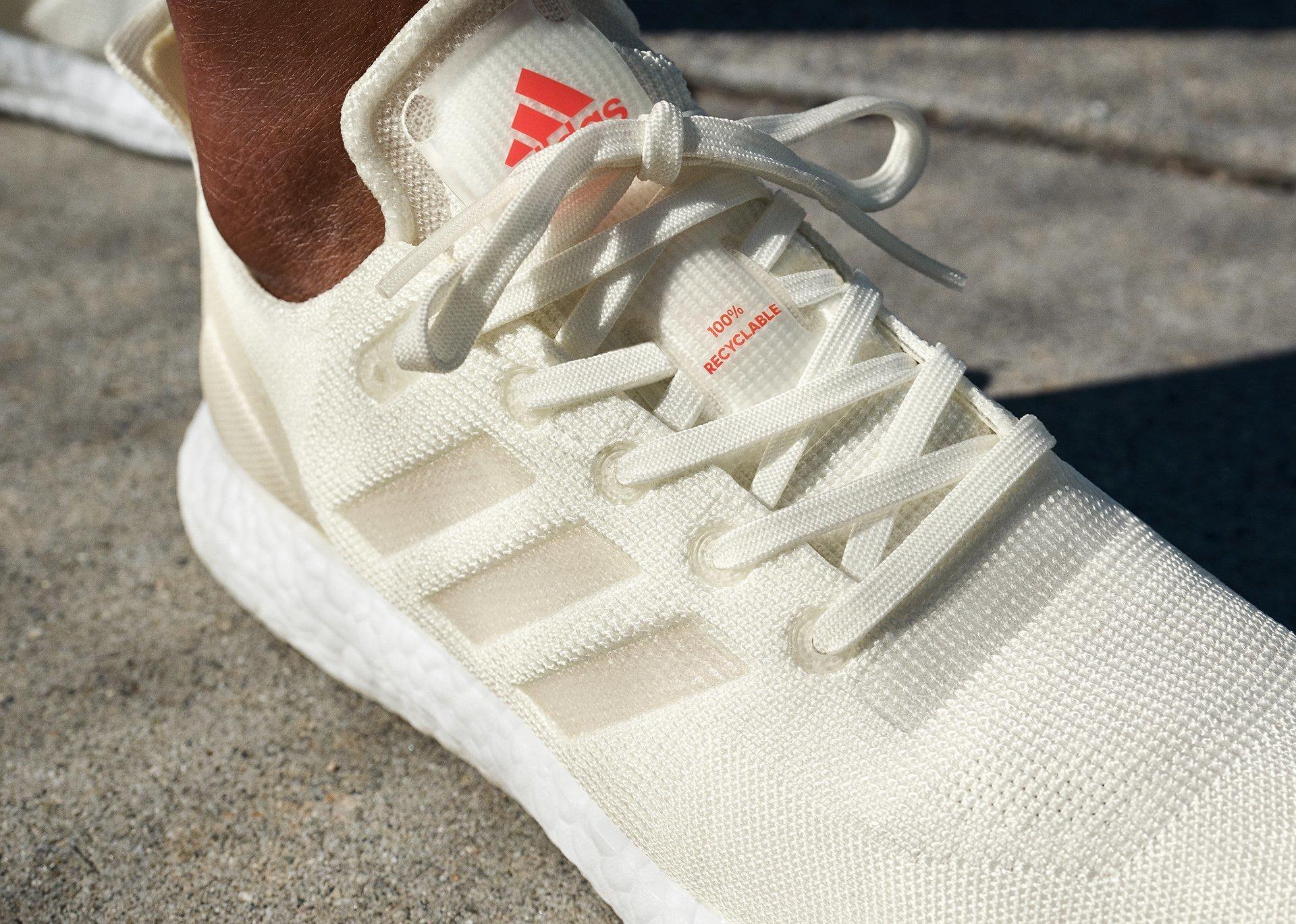 adidas Tek Ham Madde Kullanarak Geri Dönüştürebilir Ayakkabı Üretti