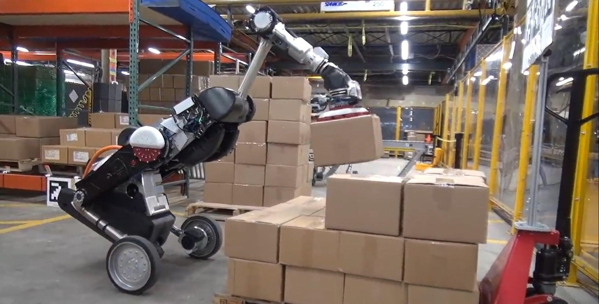 Boston Dynamics'in Robotu Handle Artık Yük Taşıyabiliyor