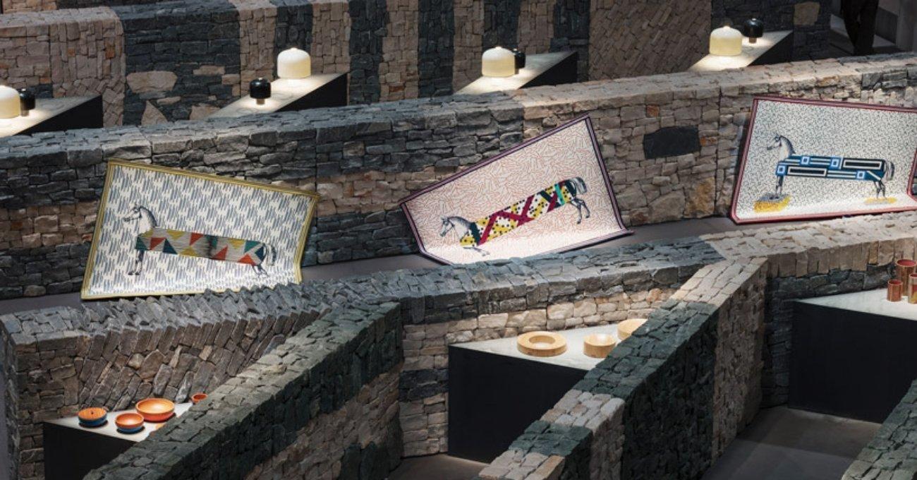 Hermès Yeni Koleksiyonunu Taş Duvarlar Arasında Sergiledi