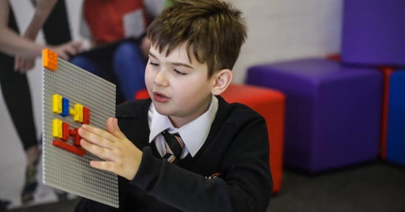 LEGO'dan Görme Engelli Çocuklar İçin Braille Öğrenmeye Yardımcı Bloklar