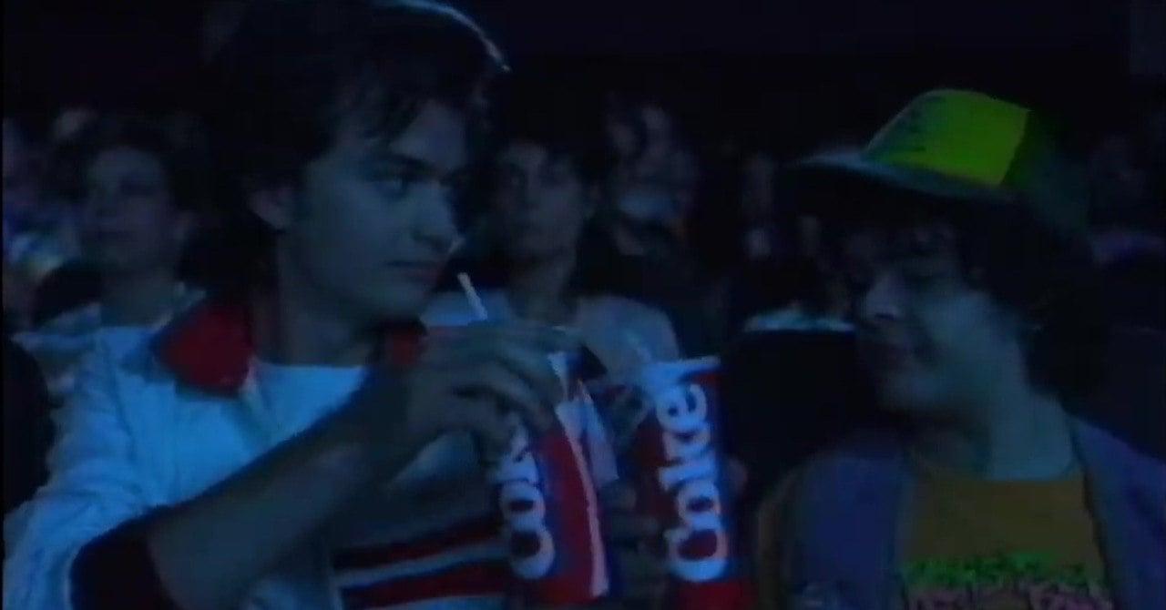 Coca-Cola Stranger Things ile 80'lere Geri Dönüyor