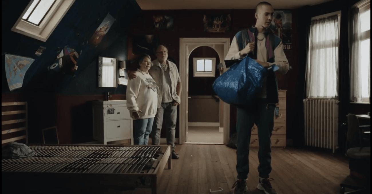 Evin Boşalan Odasını Kendi Keyfine Göre Yeniden Düzenleyen Ebeveynler