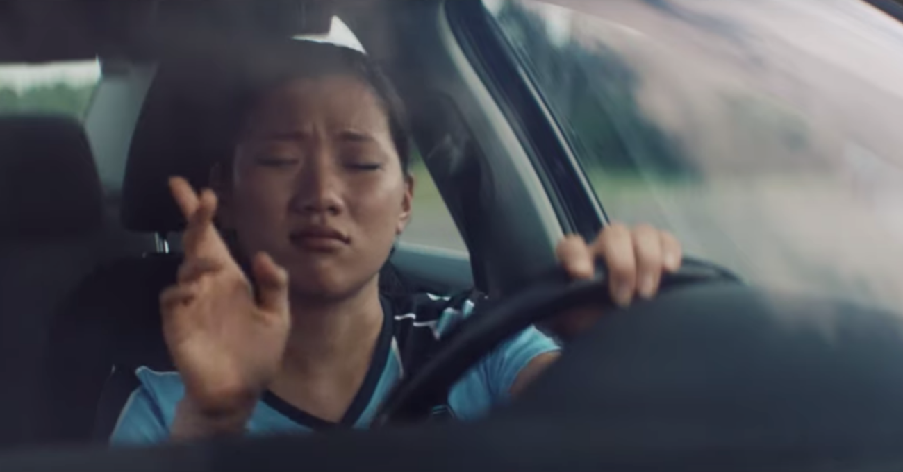 Şarkı Bitmeden Otomobilini Terk Etmeyen İnsanlar