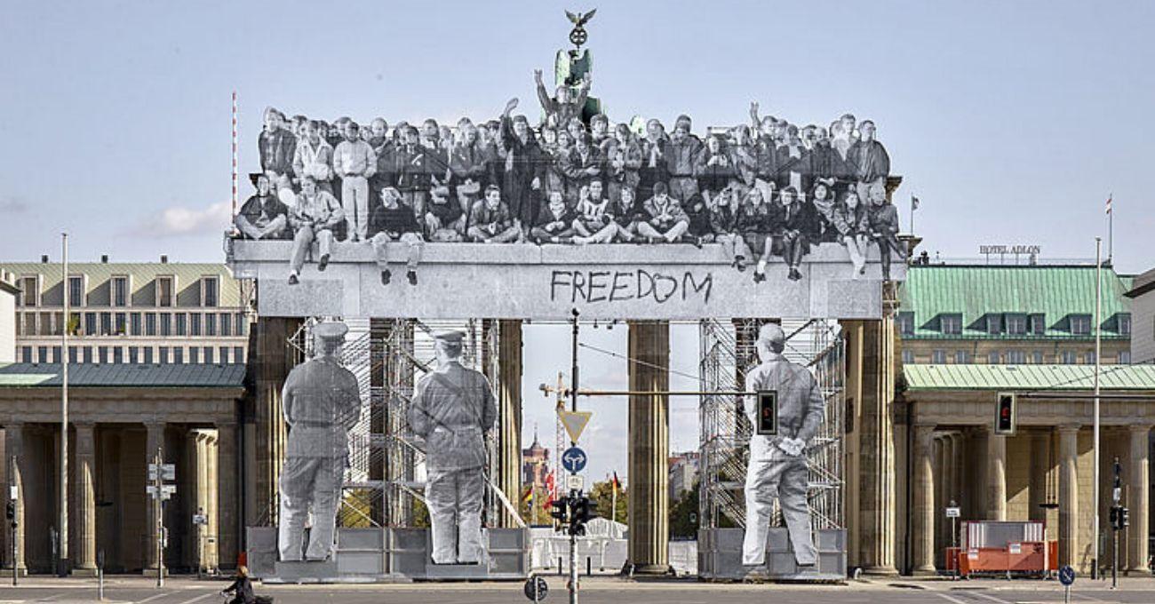 Berlin Duvarı'nın yıkılışının yıl dönümü
