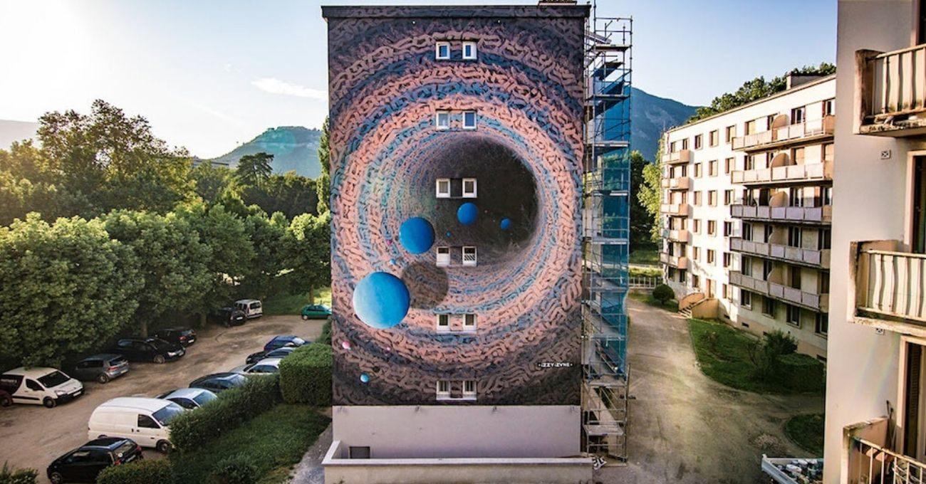 Başka Evrenlere Açılan Murallar