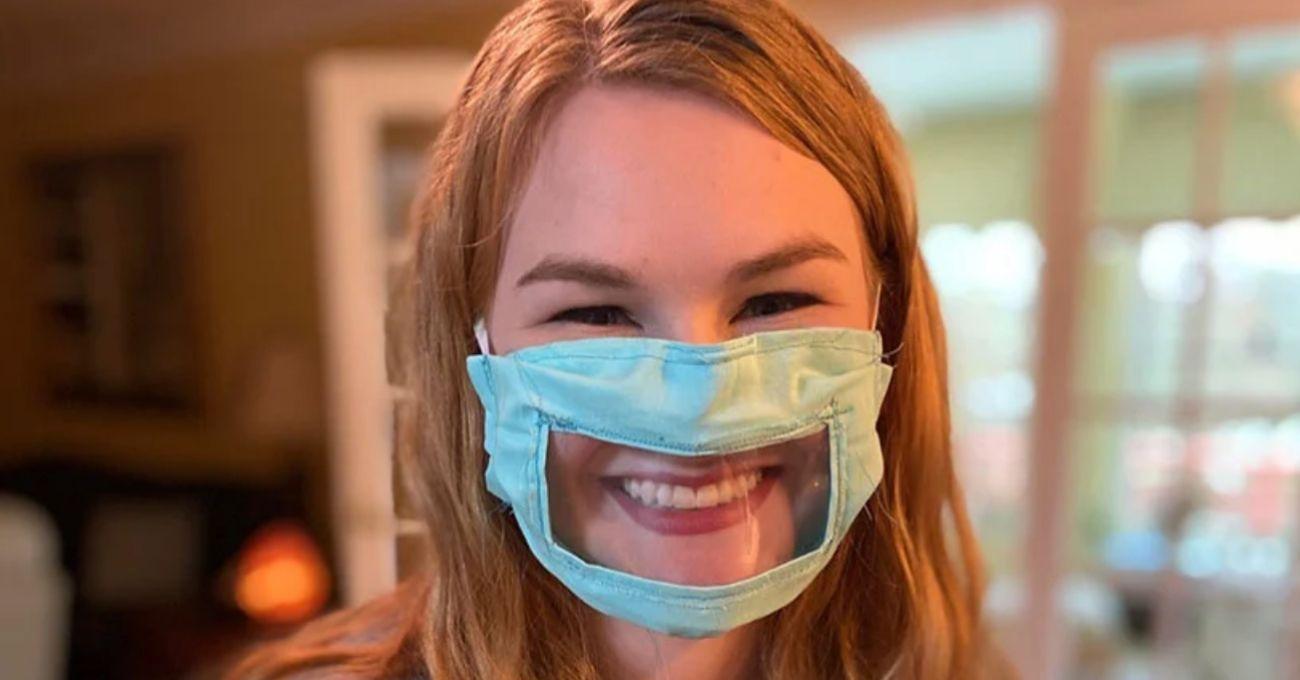 İşitme Engelliler ve Az İşitenler İçin Yüz Maskesi