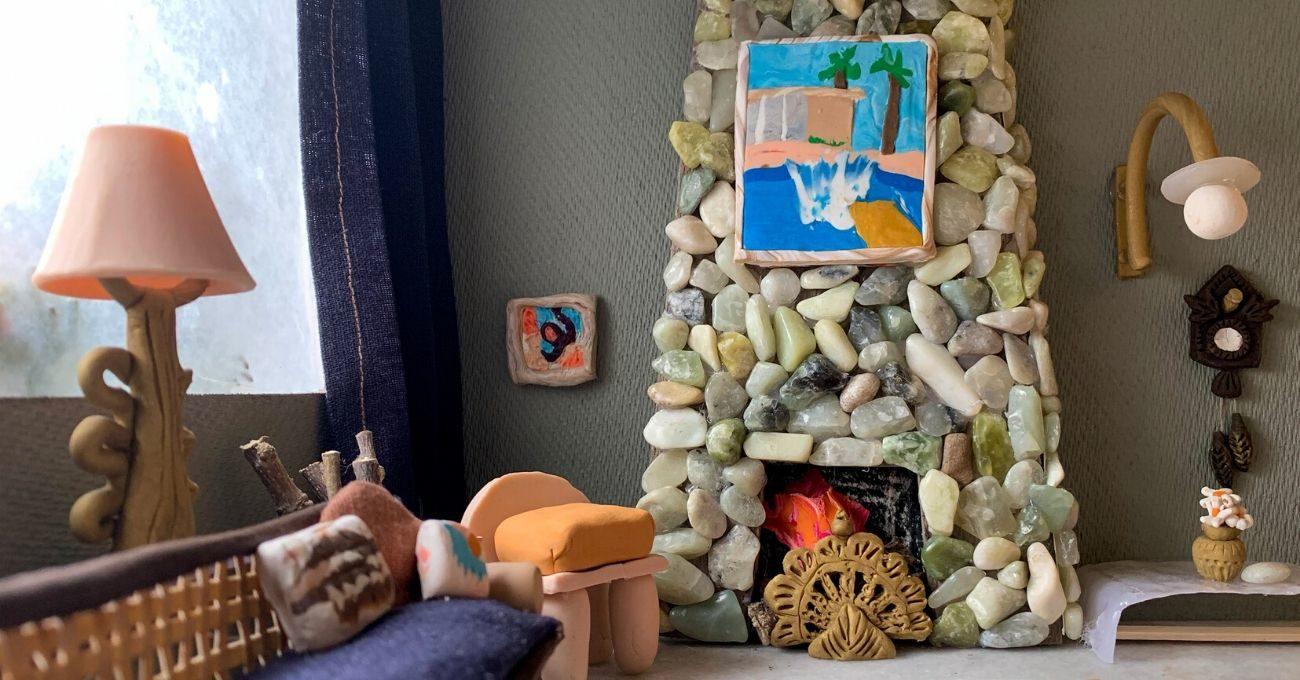 Evlerinden Çıkmayan Tasarımcılar Hayallerindeki Evleri Kilden Yaptılar