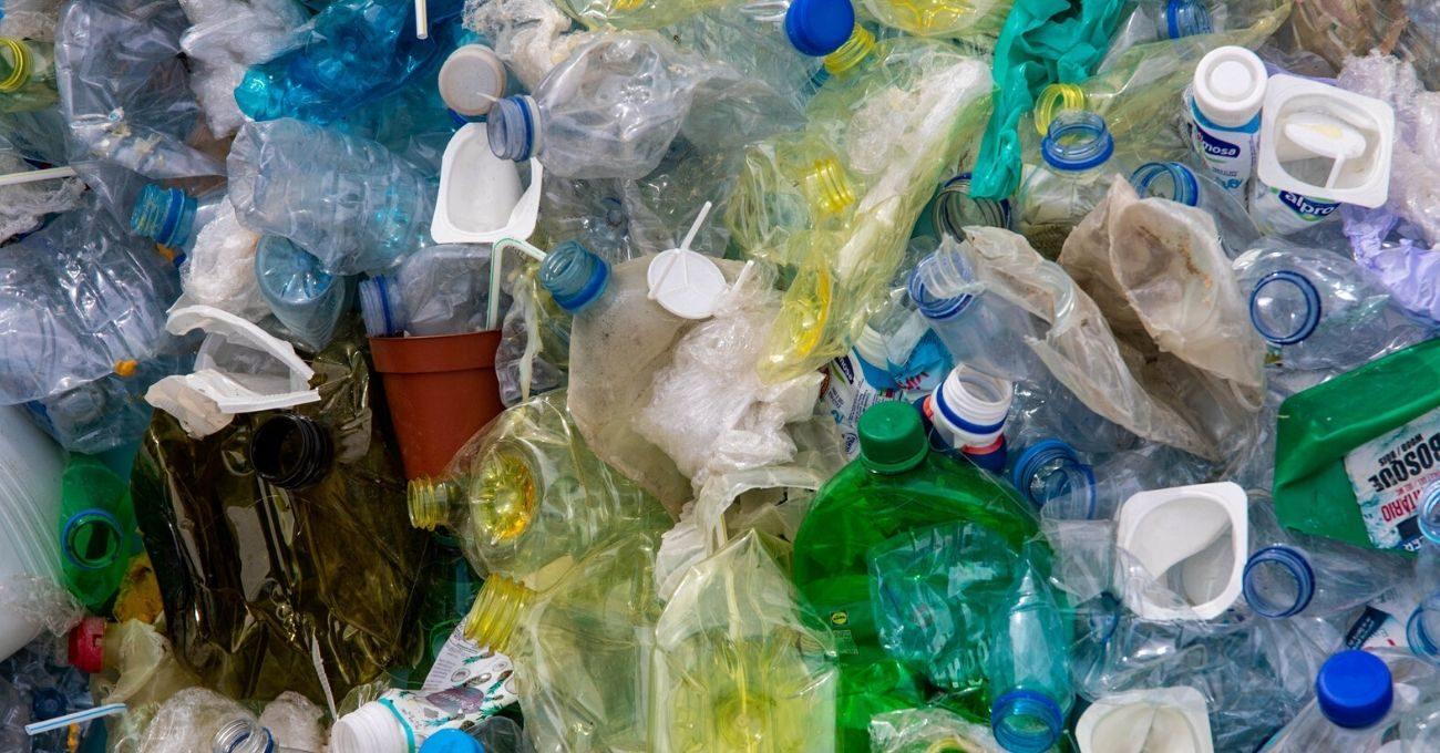 Plastiği Parçalayabilen Yeni Bir Enzim Tasarlandı