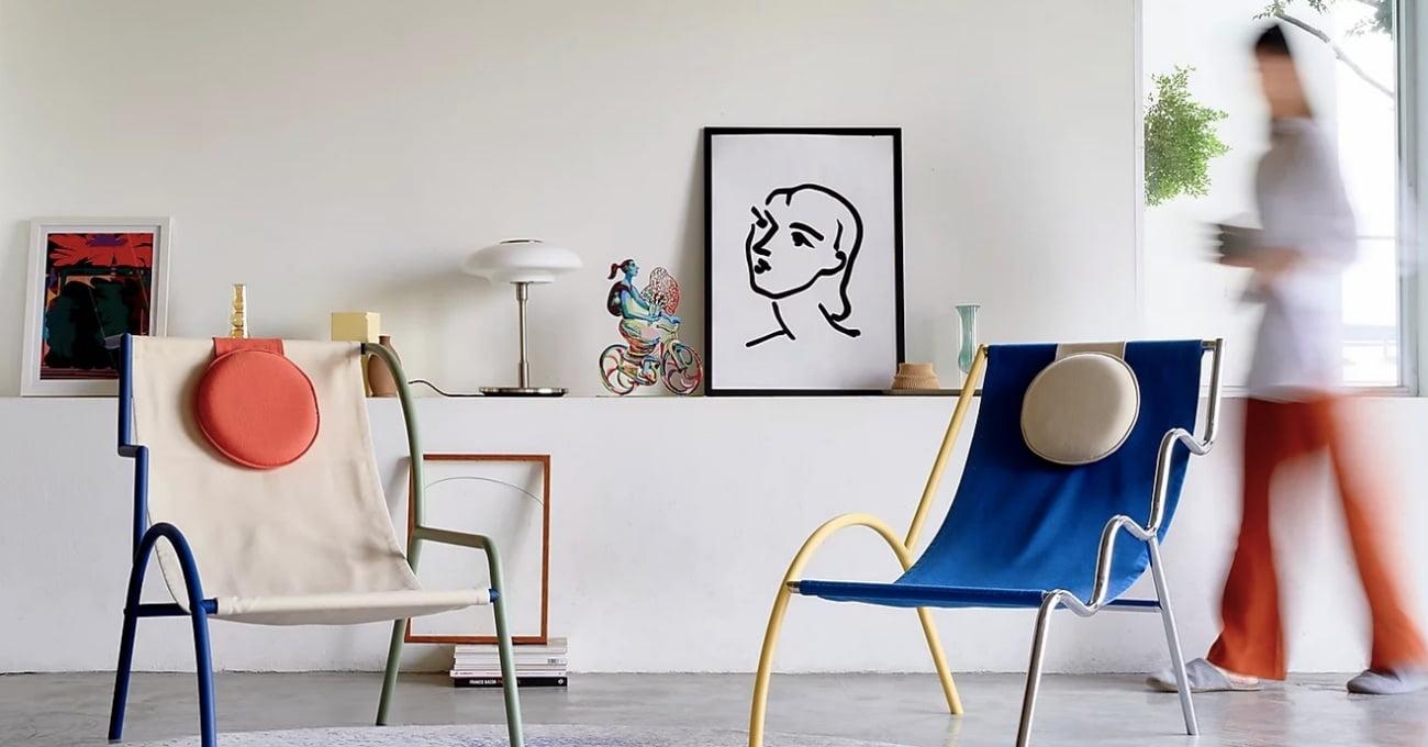 Renkli ve Esnek Kolçaklara Sahip Modüler Sandalye: Ebba