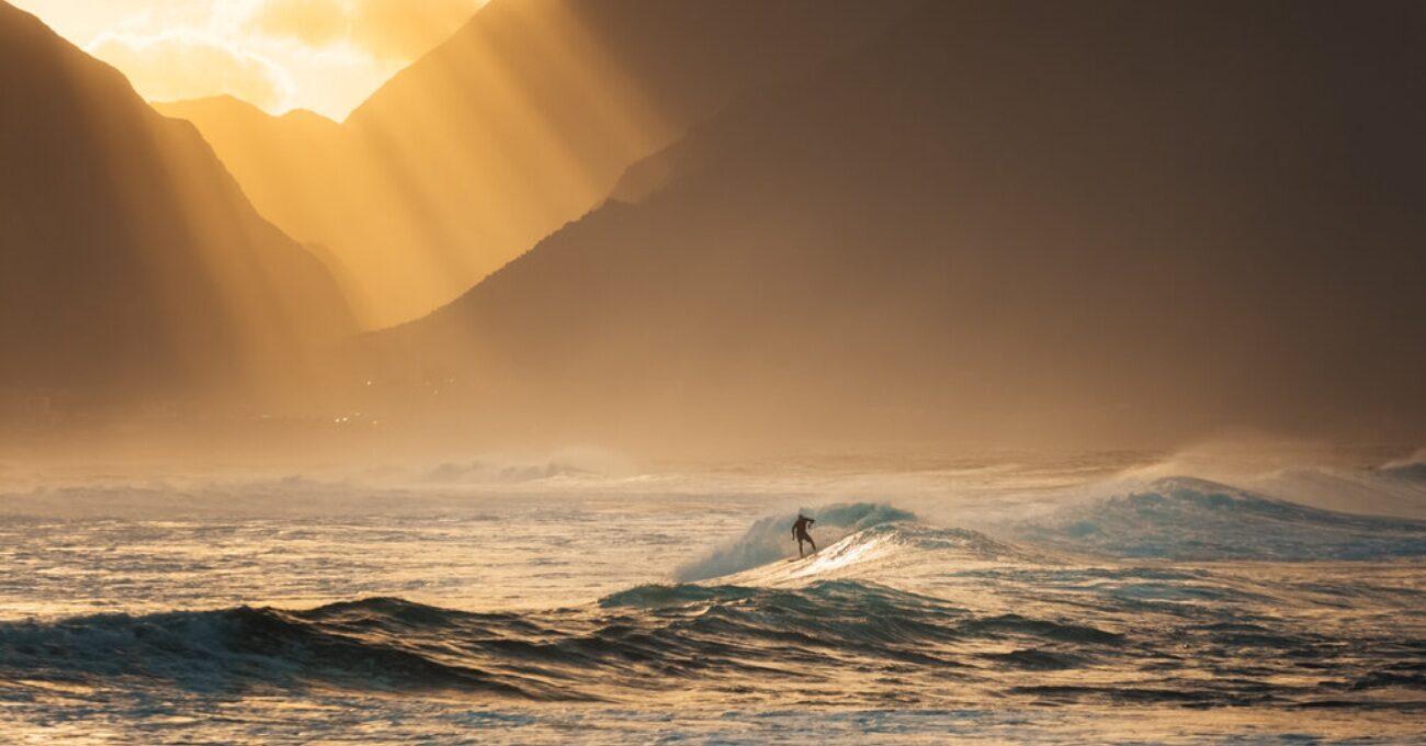 Hawaii'nin Kış Güneşini Dalgalarla Buluşturan Seri: Winter Surf