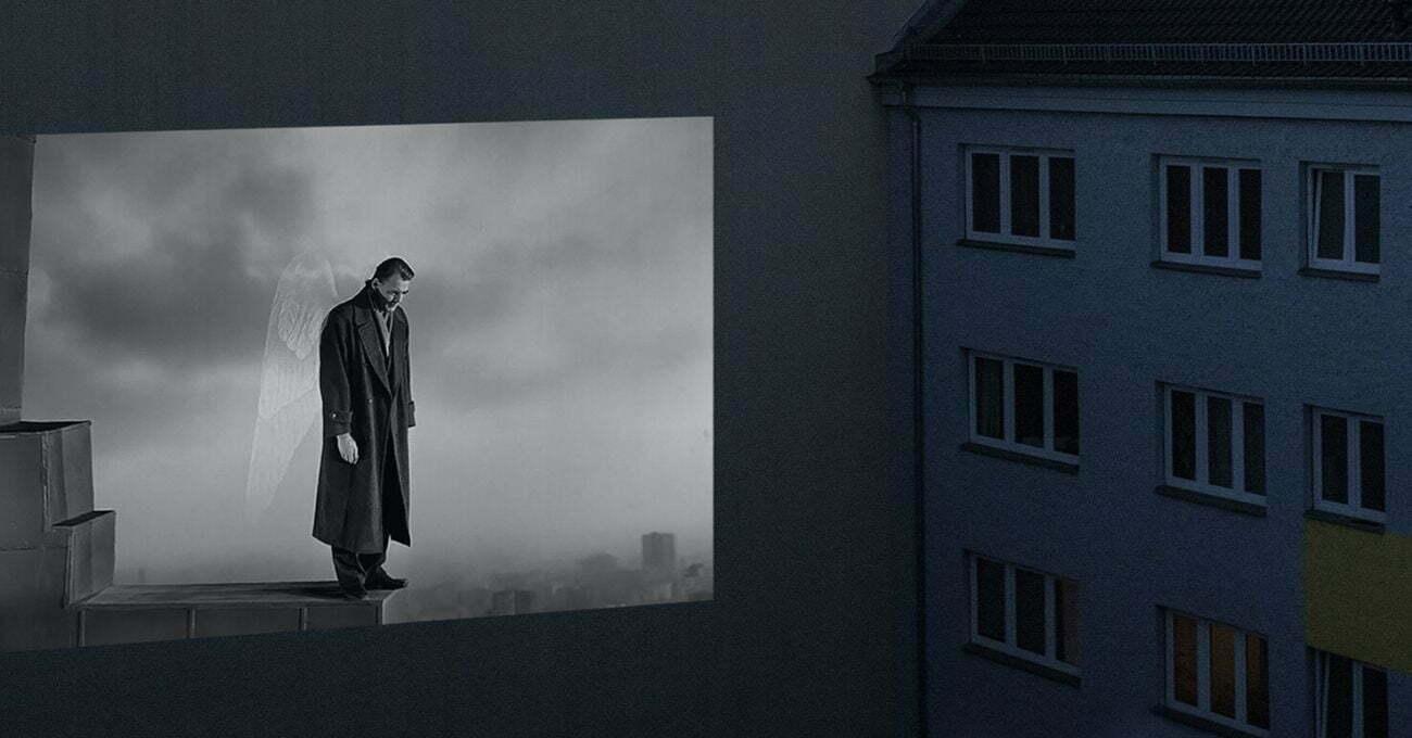 Komşuların Kendi Penceresinden İzlediği Sokak Sinemaları
