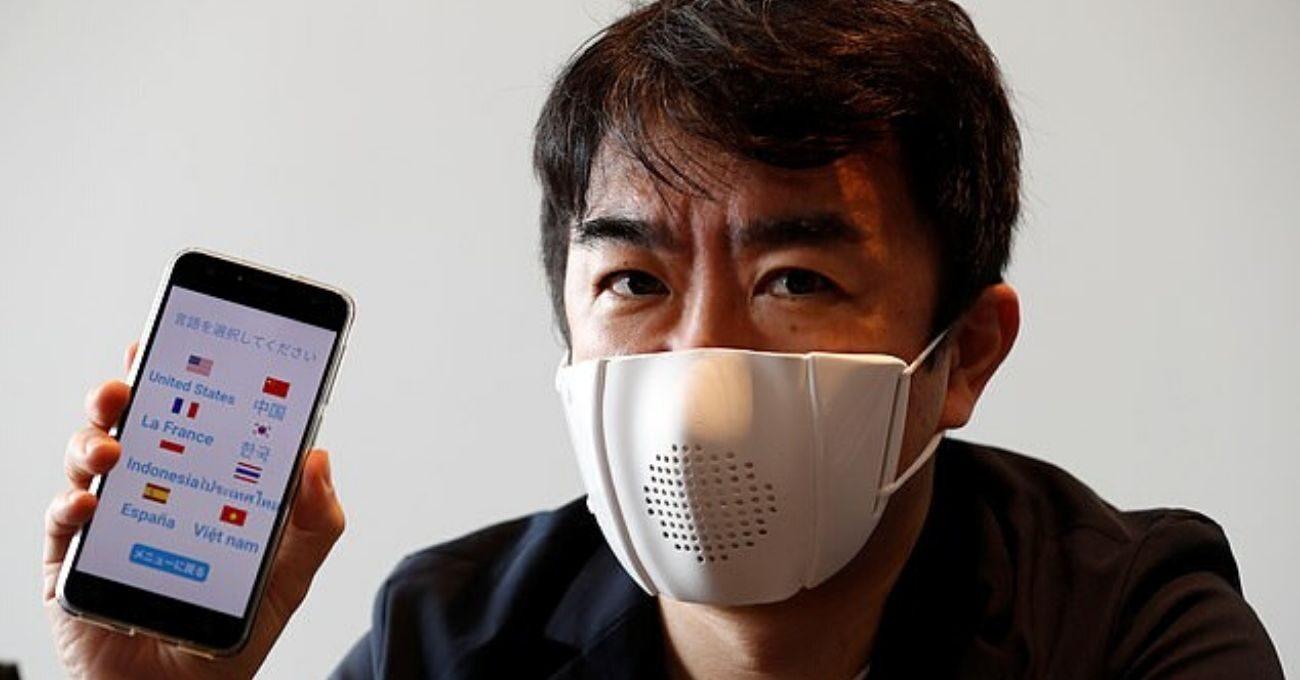 Dokuz Dilde Anlık Çeviri Yapabilen Akıllı Maske