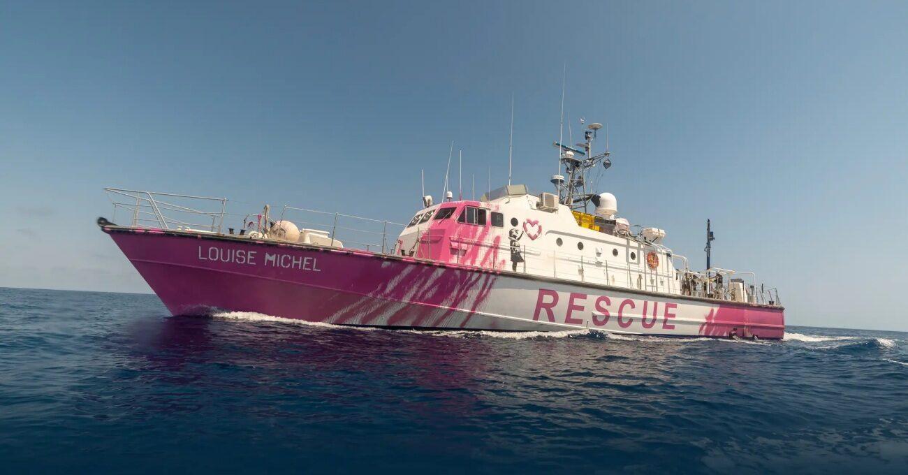 Banksy'nin Finanse Ettiği Gemi Sığınmacıları Kurtarıyor