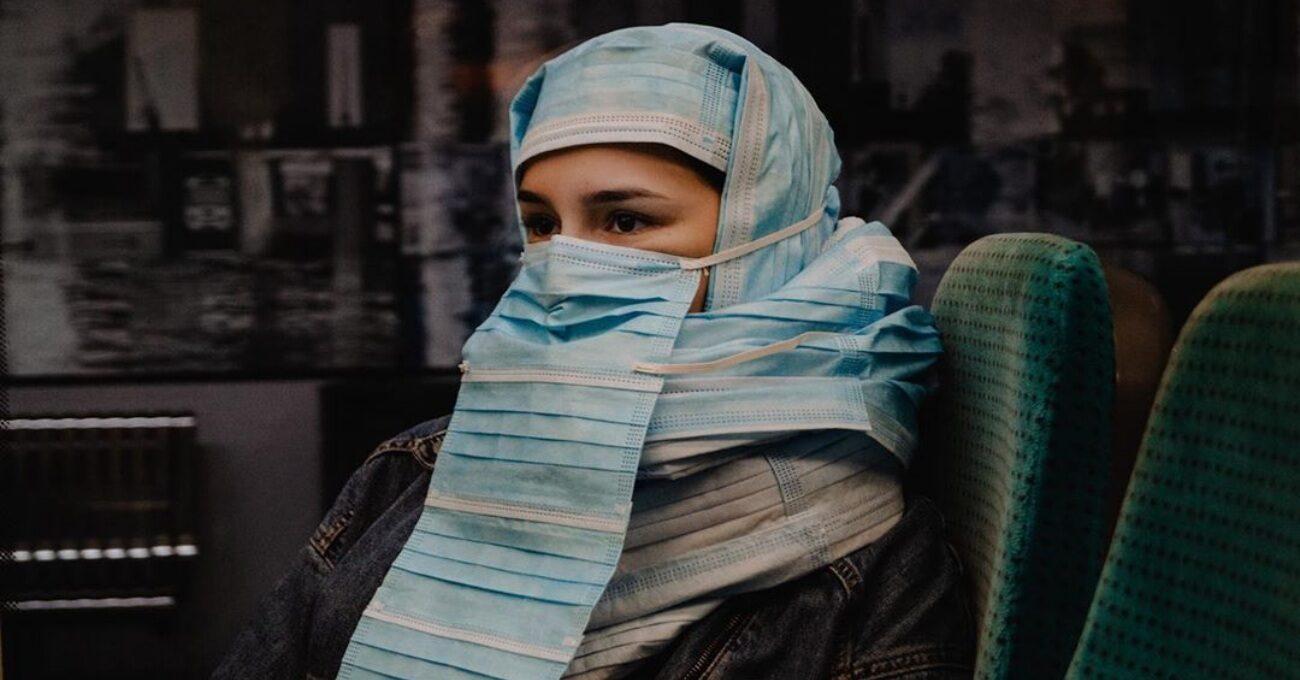 Burka Yasağını Maskeyle Sorgulayan Proje