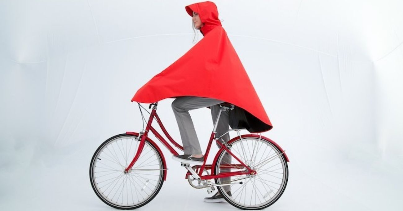 Yağışlı Havalar İçin Çevre Dostu Bisiklet Pelerini