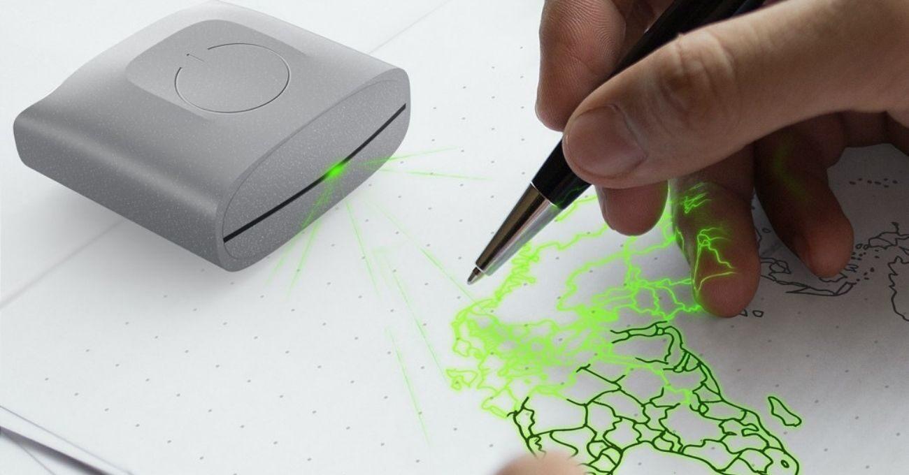 Dijital Çizimleri ve Metinleri Kağıda Yansıtan Projektör