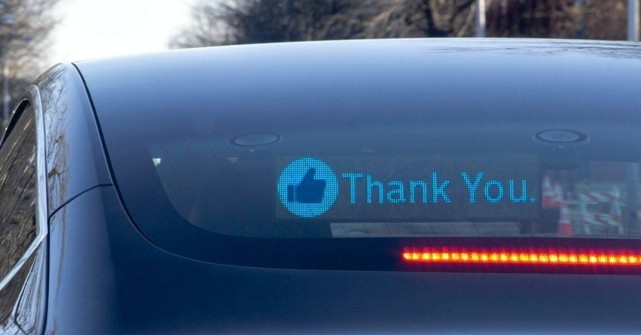 Trafikte Öfkeyi Dindirmek İçin Mesaj Ekranı