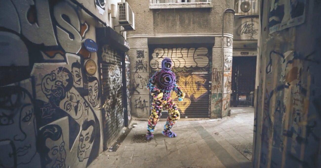 İstanbul Sokaklarında Renkli Figürler