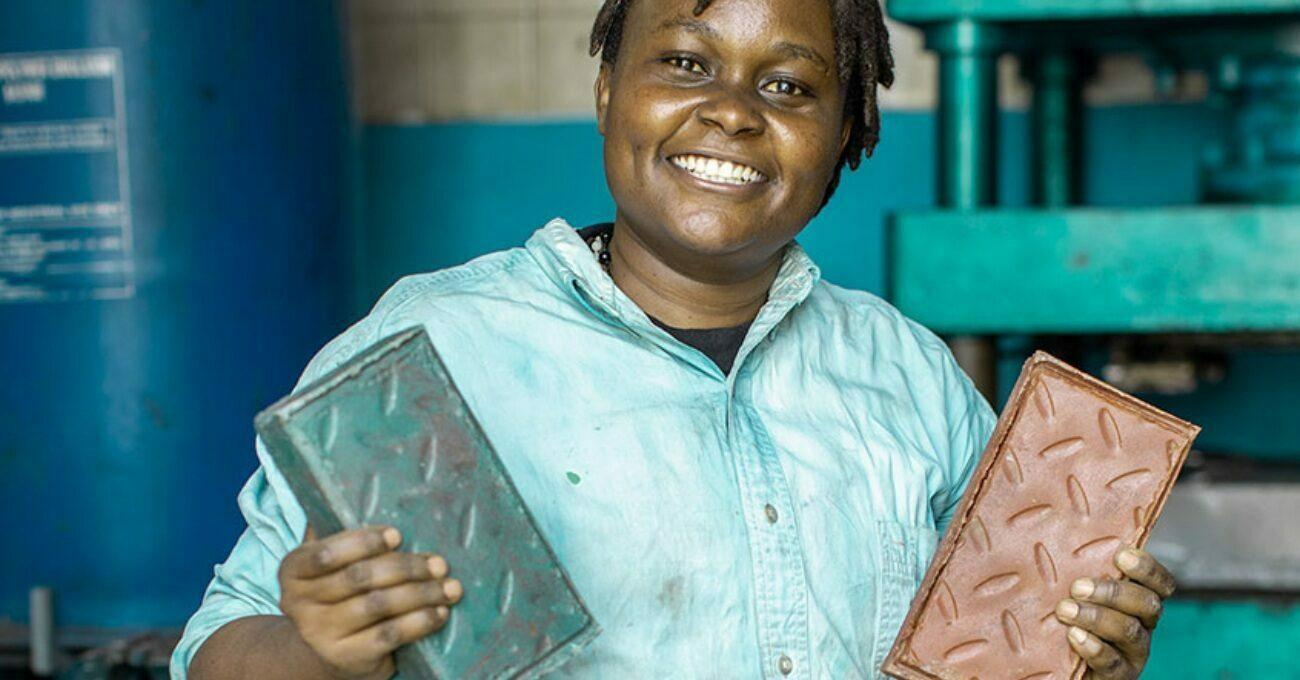 Plastik Atıklardan Üretilen Güçlü ve Hafif Tuğlalar