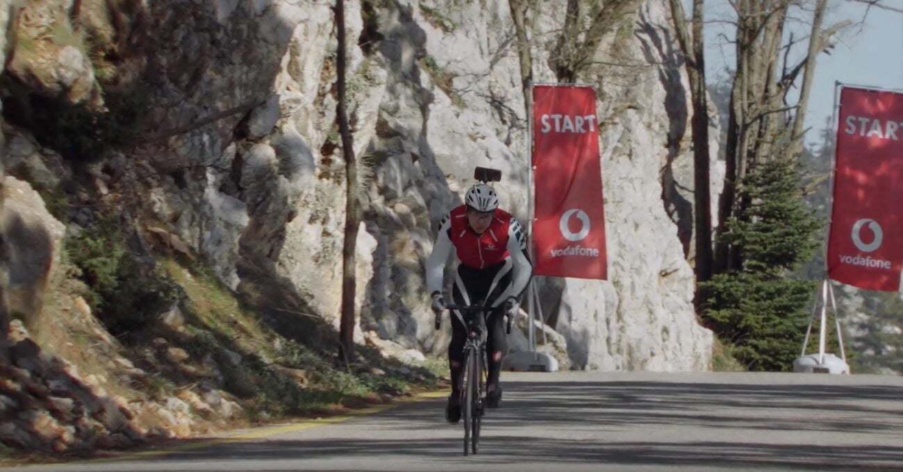 Christos Sandalakis 5G Sayesinde Bisikletinde Tek Başına
