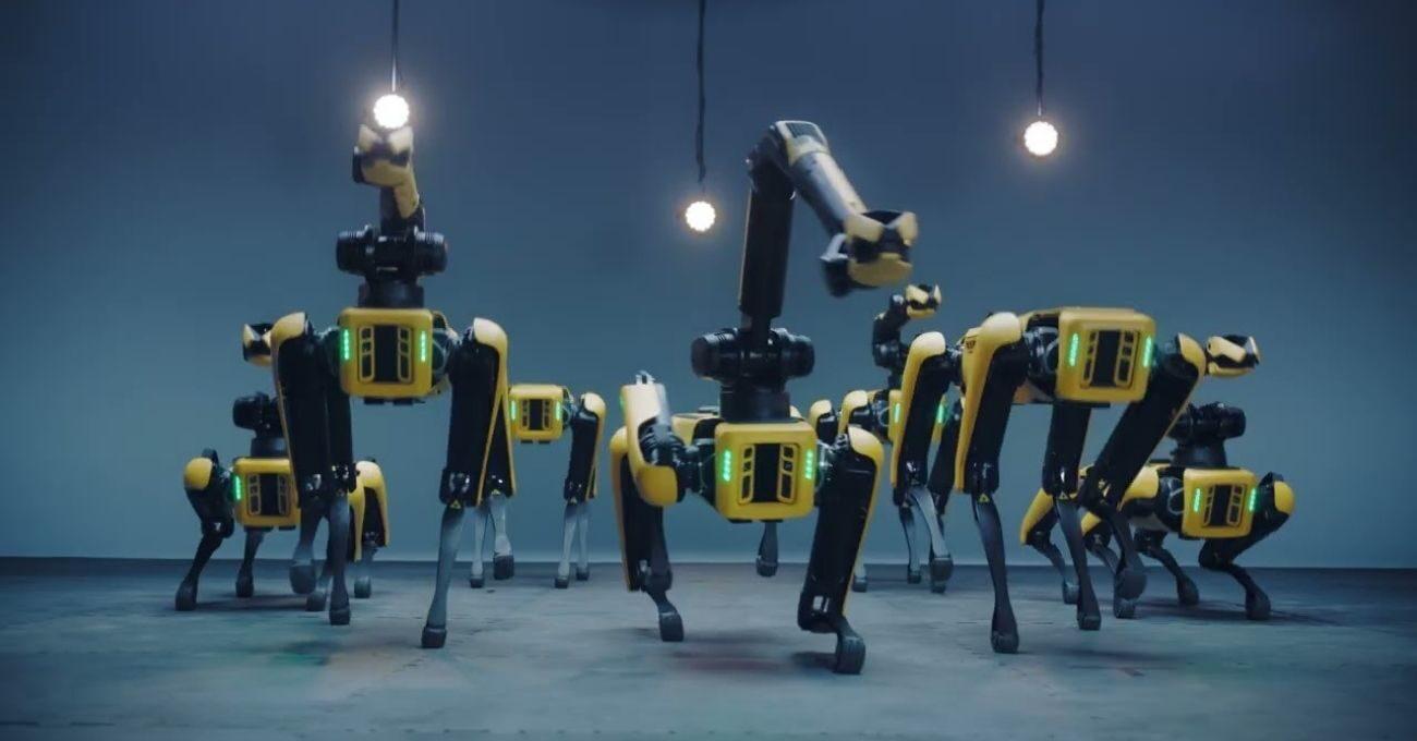 Boston Dynamics'in Hyundai Ailesine Katılmasına Spot'lardan Danslı Kutlama