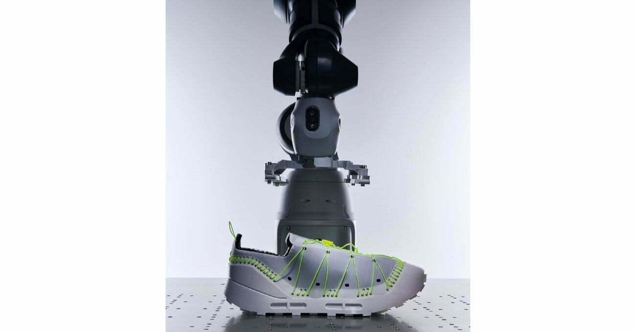 Robotlarla Geri Dönüştürülmek Üzere Tasarlanan Ayakkabı