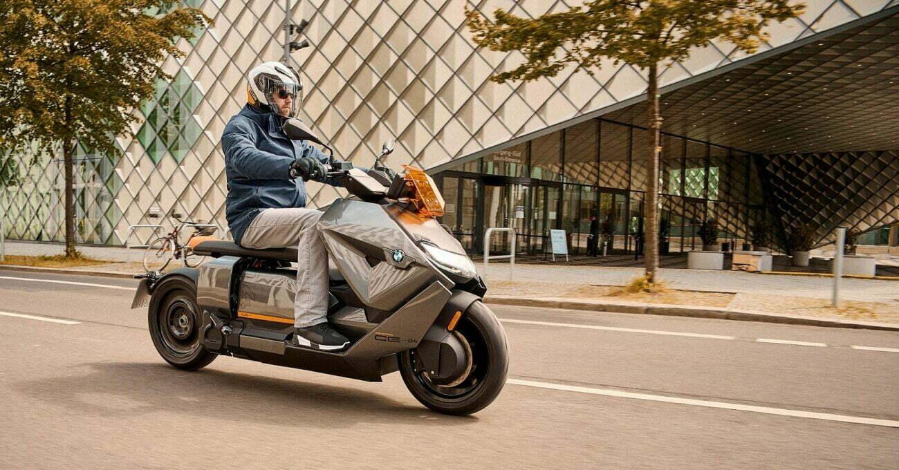 Fütüristik Görünümüyle BMW Motorrad CE 04