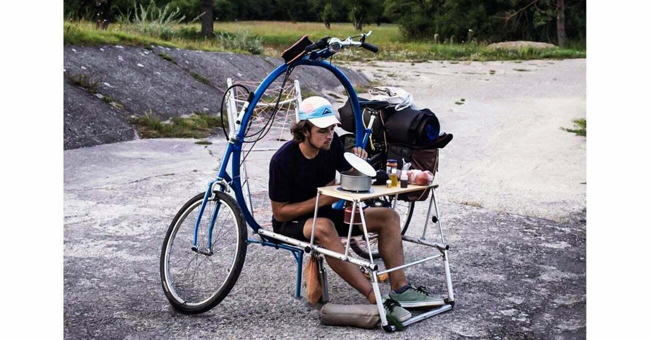 Koltuğa, Yatağa ve Çadıra Dönüşebilen Bisiklet