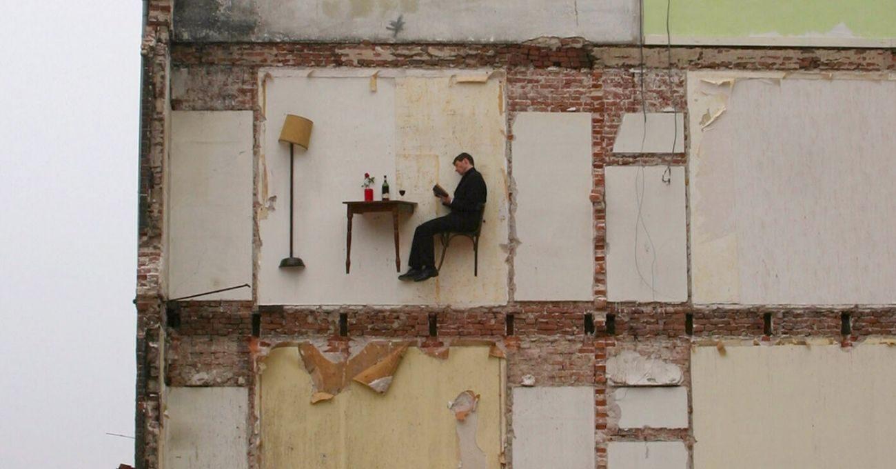 Binaların Dışındaki Hayali Odalarda Yaşamak