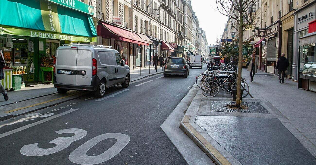 Paris Şehir İçine 30 Kilometre Hız Sınırı Getiriyor