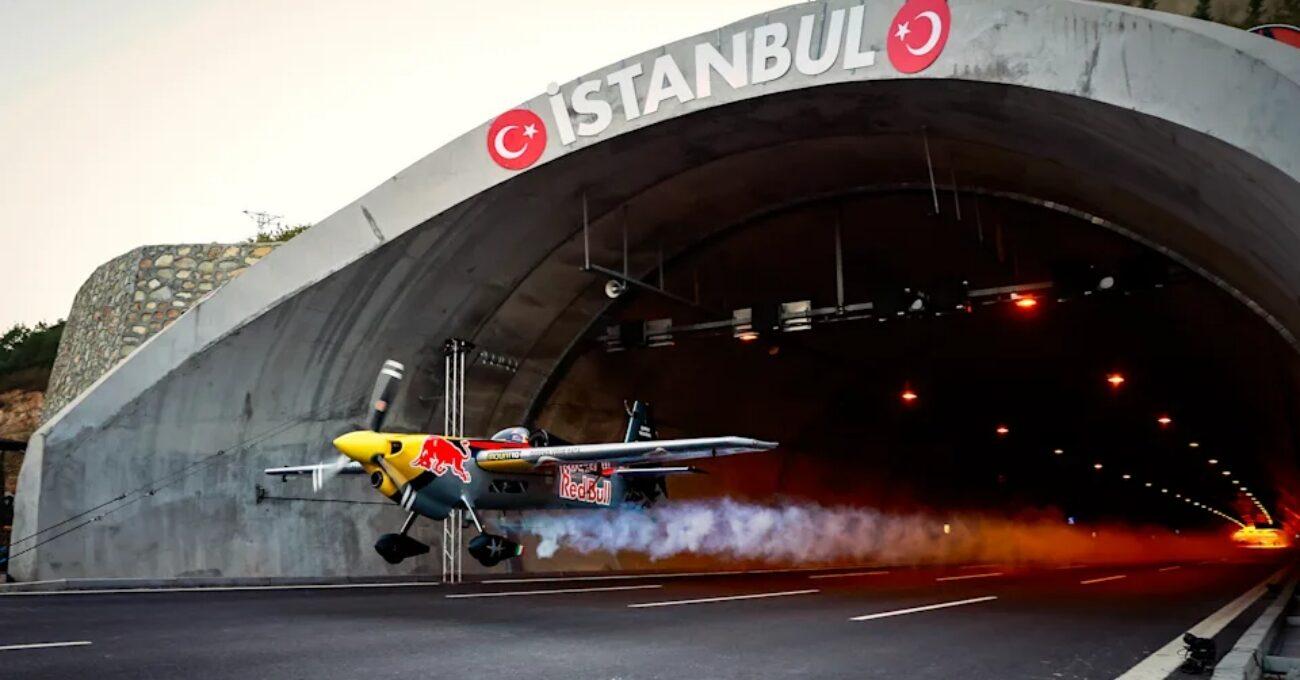 Uçakla En Uzun Tünel Uçuşu