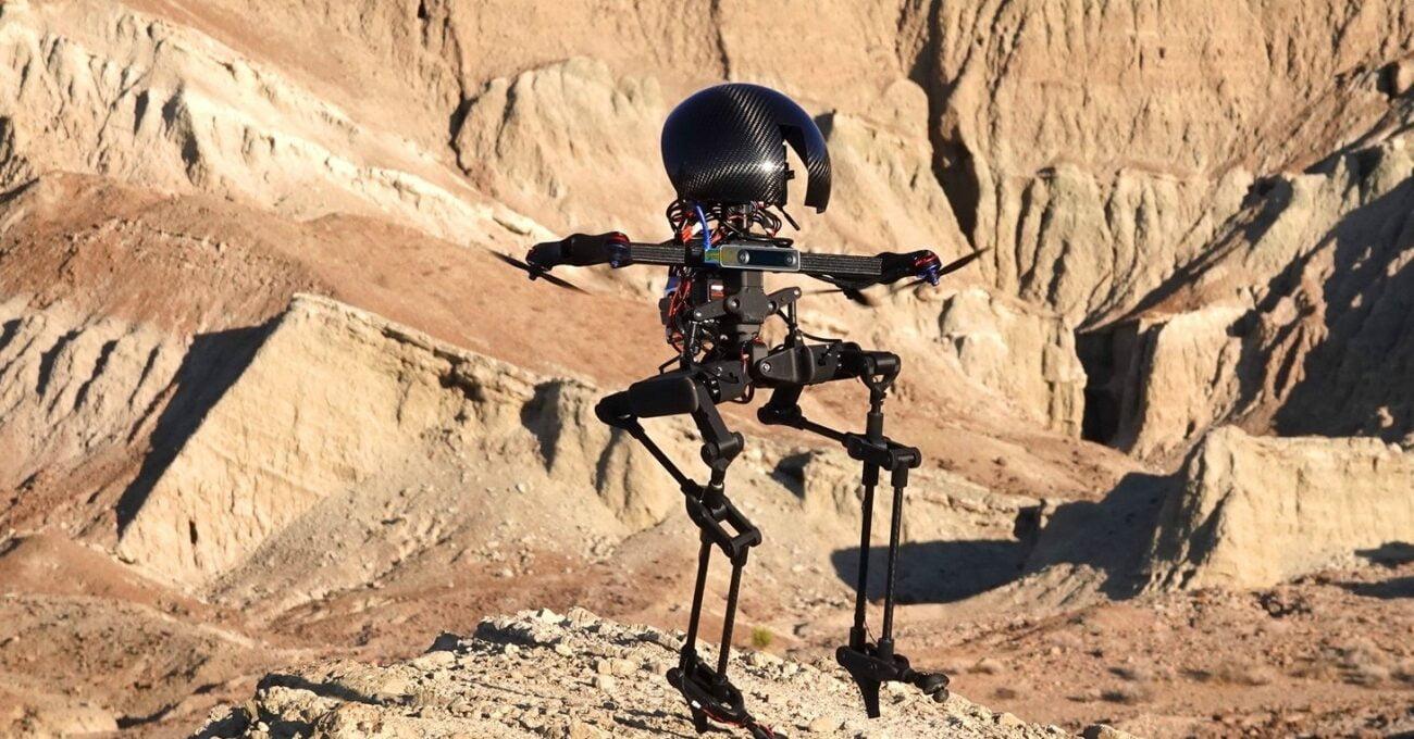 LEONARDO Drone Gibi Uçuyor Robot Gibi Yürüyor